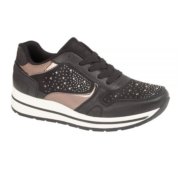 ladies in black trainer