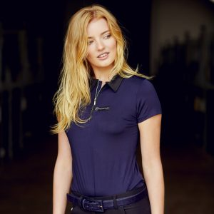 Montar-Liliana-Polo-Navy-Lifestyle-Image