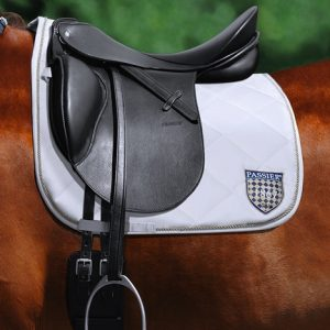 Passier-Velvet-Touch-Stirrup-Leathers-Lifestyle