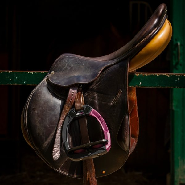 Flex-on-safe-on-stirrups-lifestyle-image-1