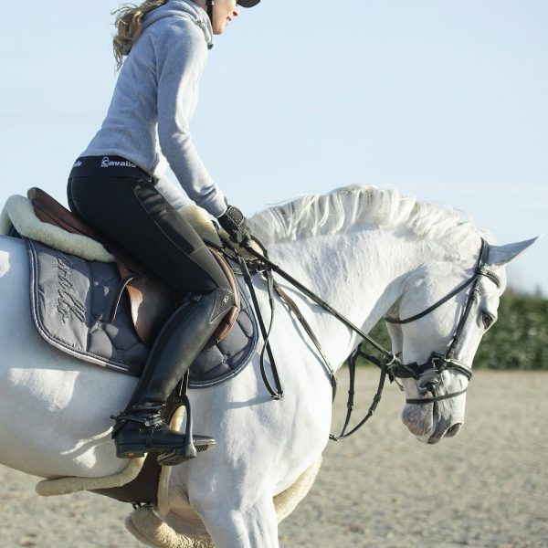 Cavallo AW20 Lifestyle Image Reina Grey Melange
