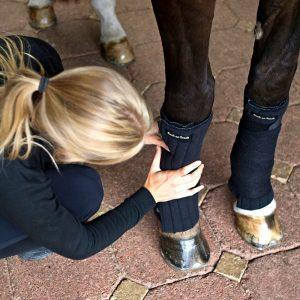 Back-on-Track-Equine-Scandic-PK-Bandage-Linings-Wraps-Black-4