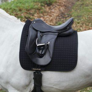 Back-on-Track-Saddle-Pad-Dressage-No1-Black-Lifestyle