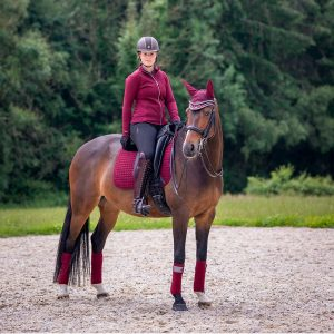 LeMieux-Luxury-Polo-Bandages-Rioja-Lifestyle-Image-1