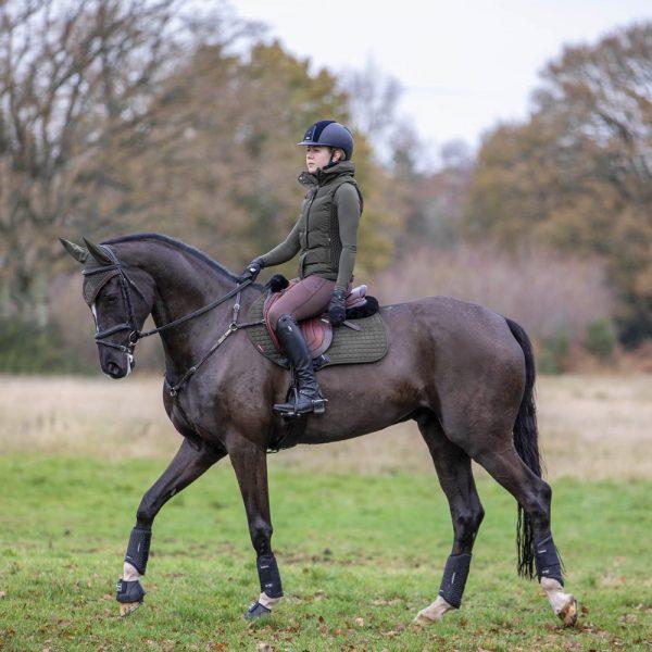 LeMieux-Suede-Saddle-Pad-Lifestyle-Image-5